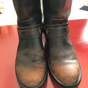 9M Frye Riley Harness Leather Boots EUC
